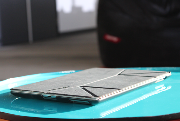100% authentic 46702 5fb47 Review: Incipio LGND for iPad converts from case to stand | Macworld