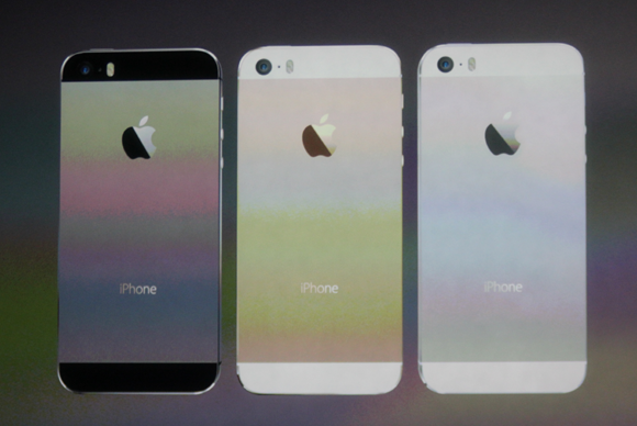 Slideshow highlights from apple39s debut of the iphone 5s for Iphone 5 displays ship month ceo