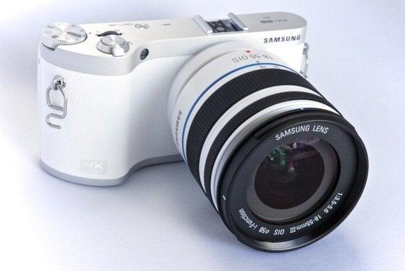 samsung nx300 review shoot like a pro share like a teenager techhive rh techhive com samsung nx300 manual lens Samsung Galaxy S Manual