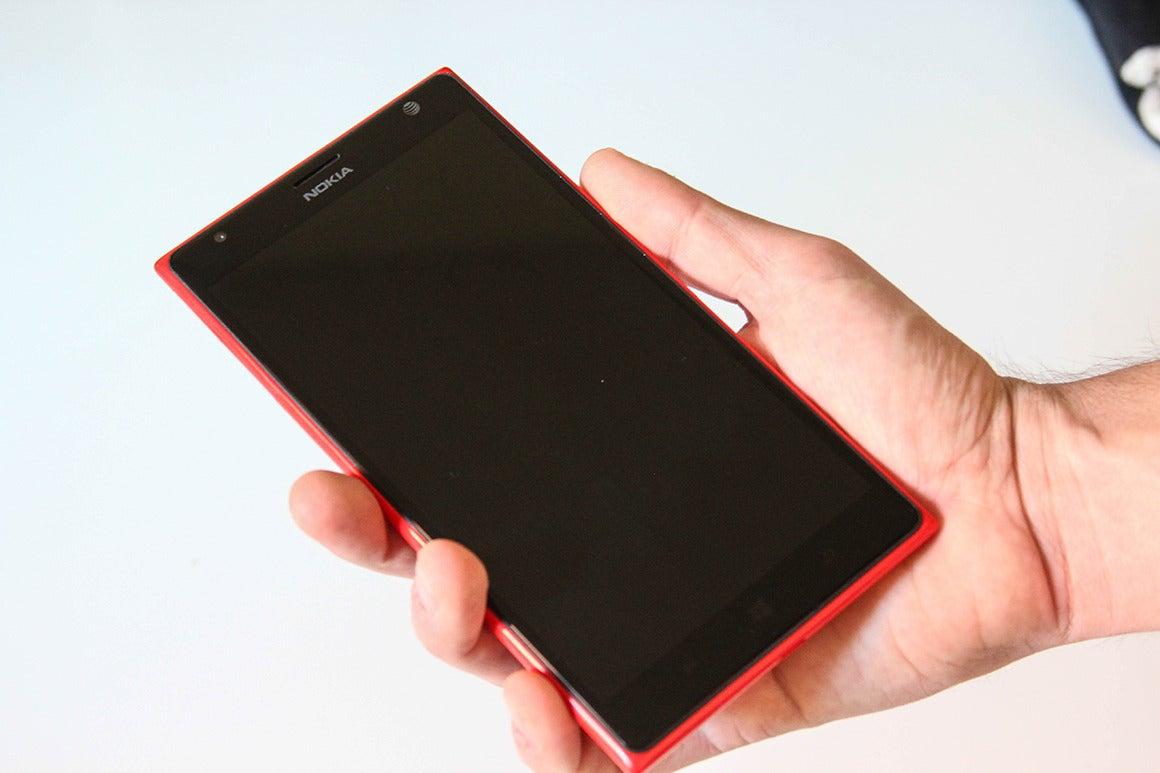 Nokia S Lumia 1520 Is Bigger Than Your Average Windows