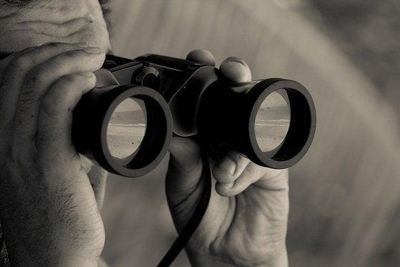 binoculars peeping