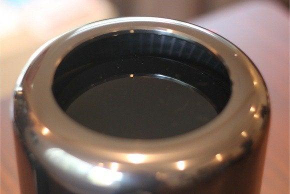 mac pro 2013 07 top closeup