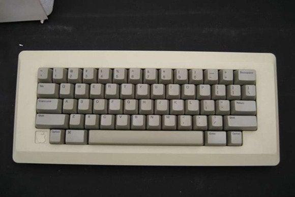 Macintosh 128K unboxing