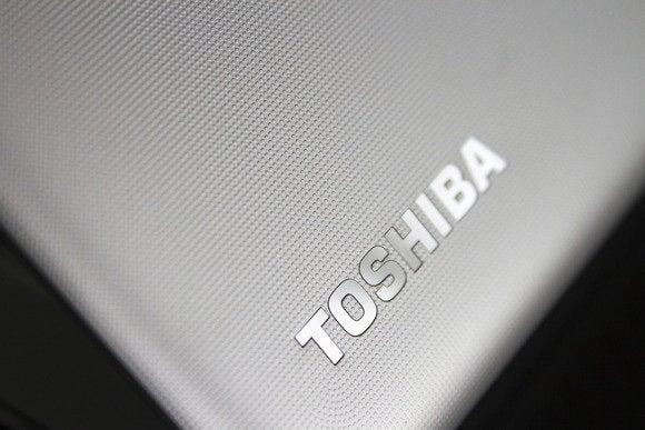 toshiba cb35 a3120 chromebook feb 2014 bottom left lid
