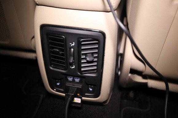 2014 dodge durango hdmi rear console