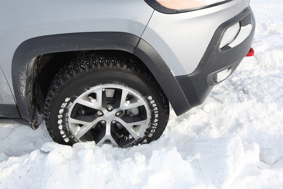 2014 jeep cherokee trailhawk in snow detail feb 2014
