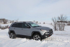 2014 jeep cherokee trailhawk in snow feb 2014