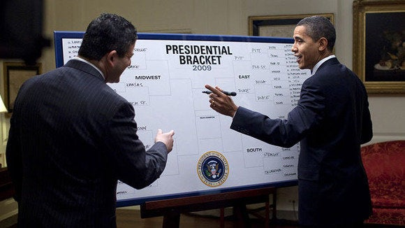 barack obama fills out 2009 ncaa mens div i tournament bracket 3 17 09