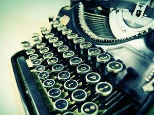 antique typewriter 99810074