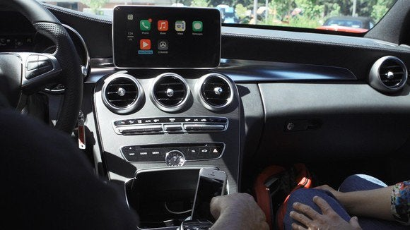 Watch Apple's CarPlay in action, as Mercedes-Benz takes us