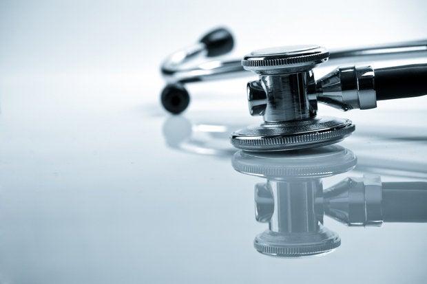 medical stethoscope 101922589
