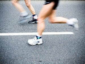 running in marathon 147712394