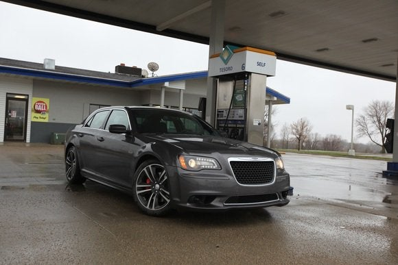 2014 chrysler 300 srt gas station may 2014