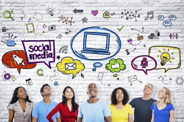 medios de comunicación social latín facial