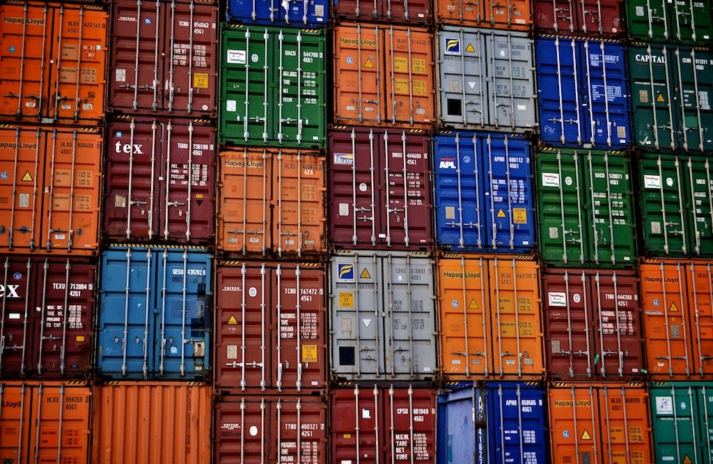 Docker container or VM? Canonical's LXD splits the difference
