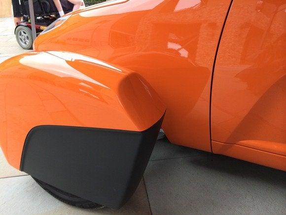 elio car prototype 4 july 2014 front wheel cover