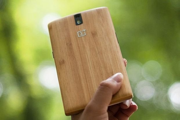 new product a93cd d8afc First StyleSwap cover for OnePlus One gives your phone a bamboo back ...
