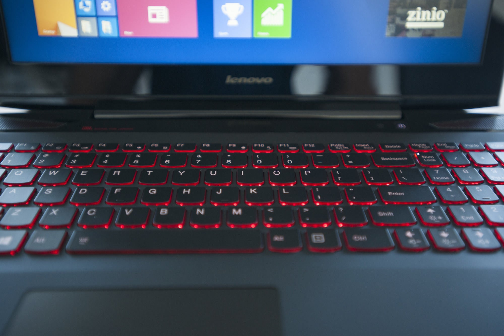 Lenovo Y50 Review This 1200 Gaming Laptop Needs A Better