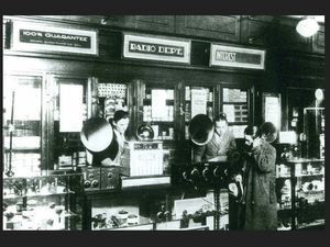 These old-timey Radio Shack photos prove techies have been nerding out since 1931