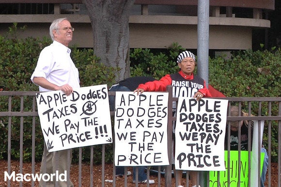Protesters at 9.9.2014 event
