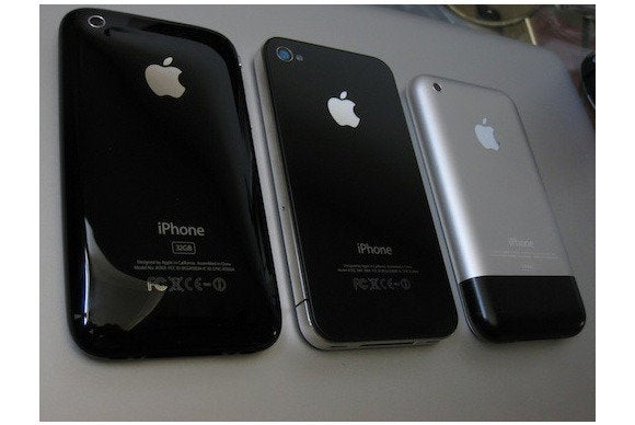 3 generations of iPhones