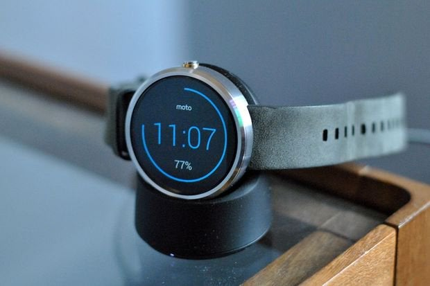 Android Wear update improves Google Fit syncing, squashes
