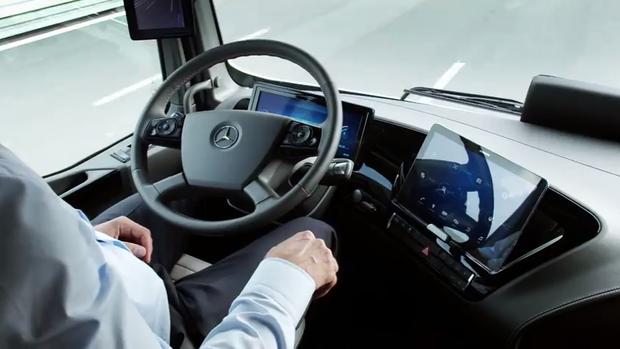 mercedes benz shows off self driving 18 wheeler computerworld. Black Bedroom Furniture Sets. Home Design Ideas