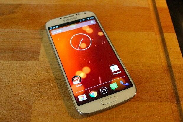 Samsung will plug security hole in Galaxy smartphones ...