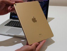 iPad Air 2 in gold