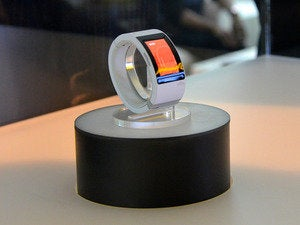will.i.am smartwatch on display 2