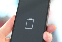 Solar panels built into smartphone screen to solve the battery-life crisis