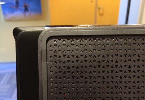 hp omen detail vents rubber feet