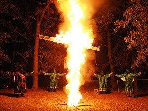 kkk burning cross