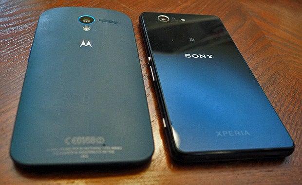Xperia Z3 Compact, Moto X