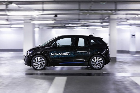 bmw active assist