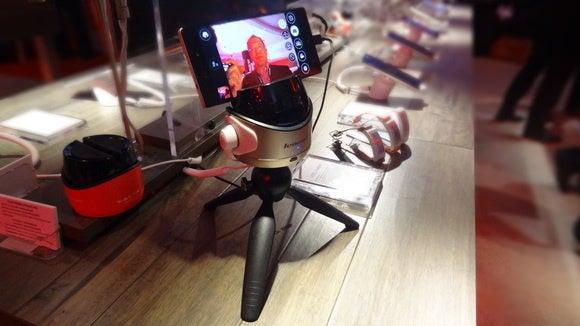 lenovo selfie robot