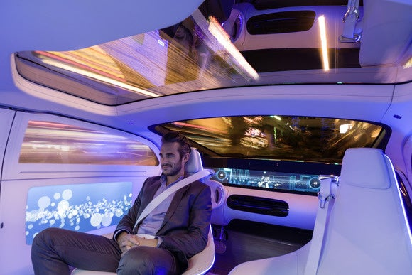 mercedes benz f015 concept touchscreen interior