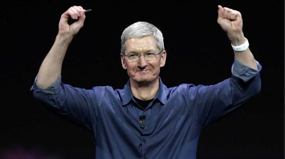 Tim Cook investors Apple Stock declining