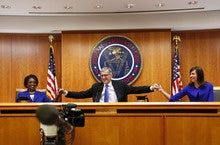 As AT&T falls behind T-Mobile in streaming, an executive blames net neutrality