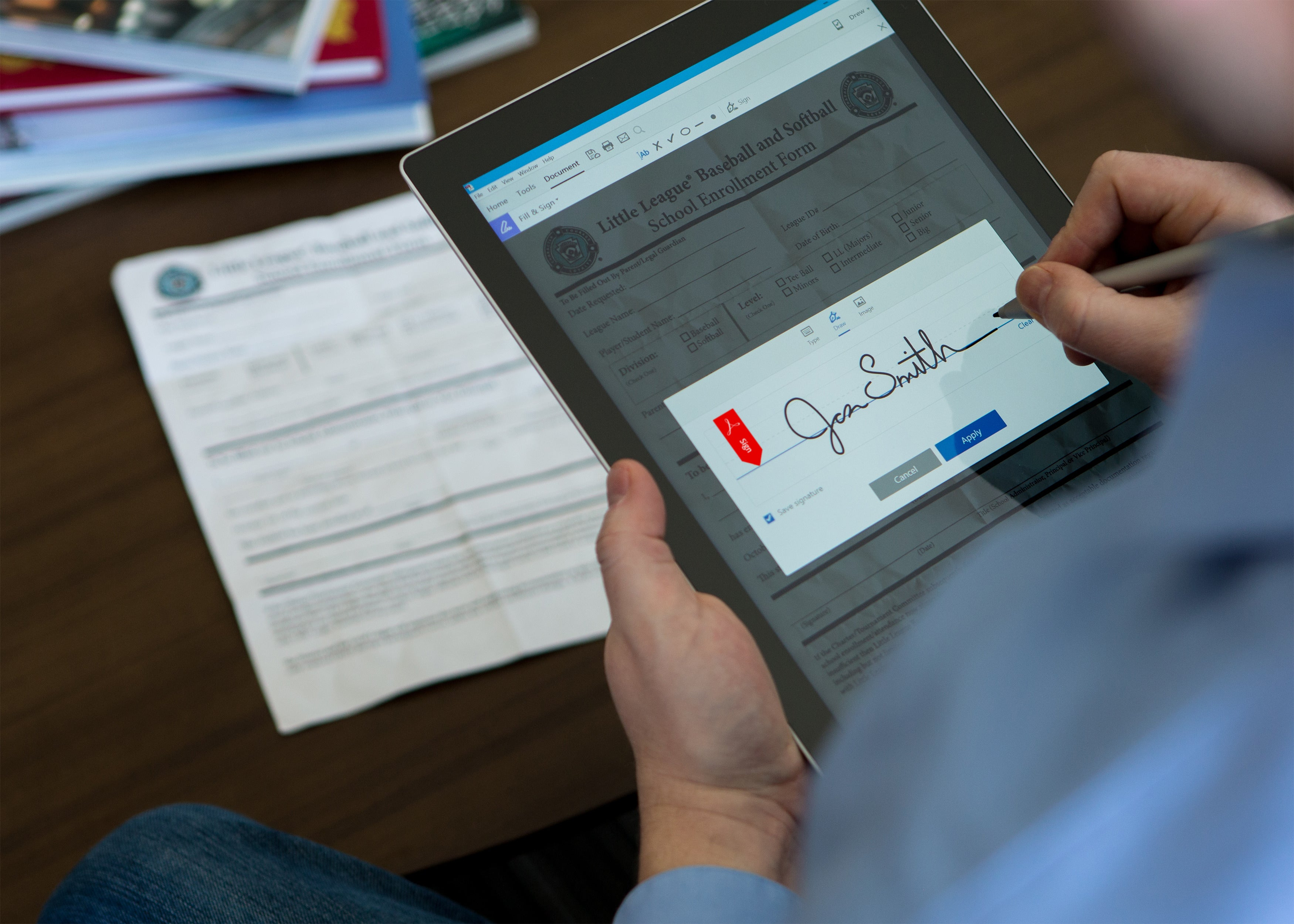 Adobe Acrobat flexes new muscles: Form filling, e-signing, mobile ...