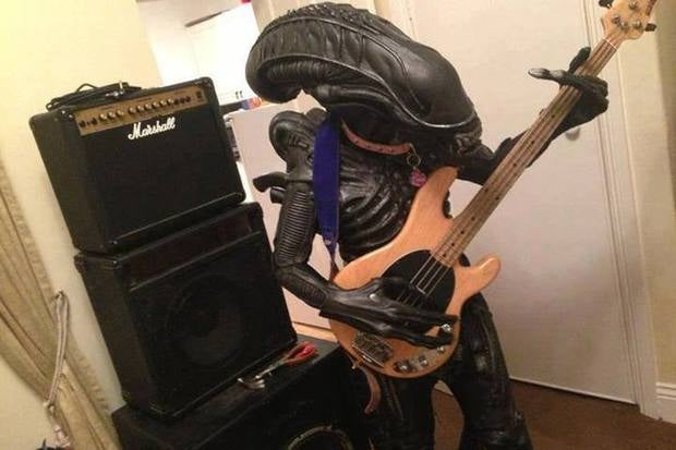 alien and bass by gustavompd d6w6pkg