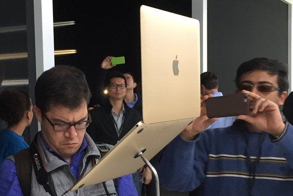 macbook back