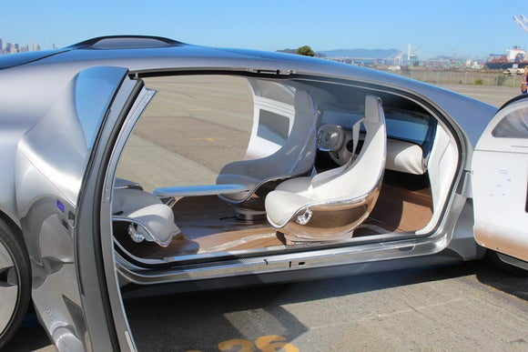 riding in the mercedes benz f 015 concept car the self driving lounge of the future pcworld. Black Bedroom Furniture Sets. Home Design Ideas