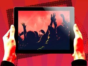 ipad celebrate concert user hands mobile tablet