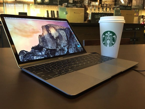 macbook en Starbucks