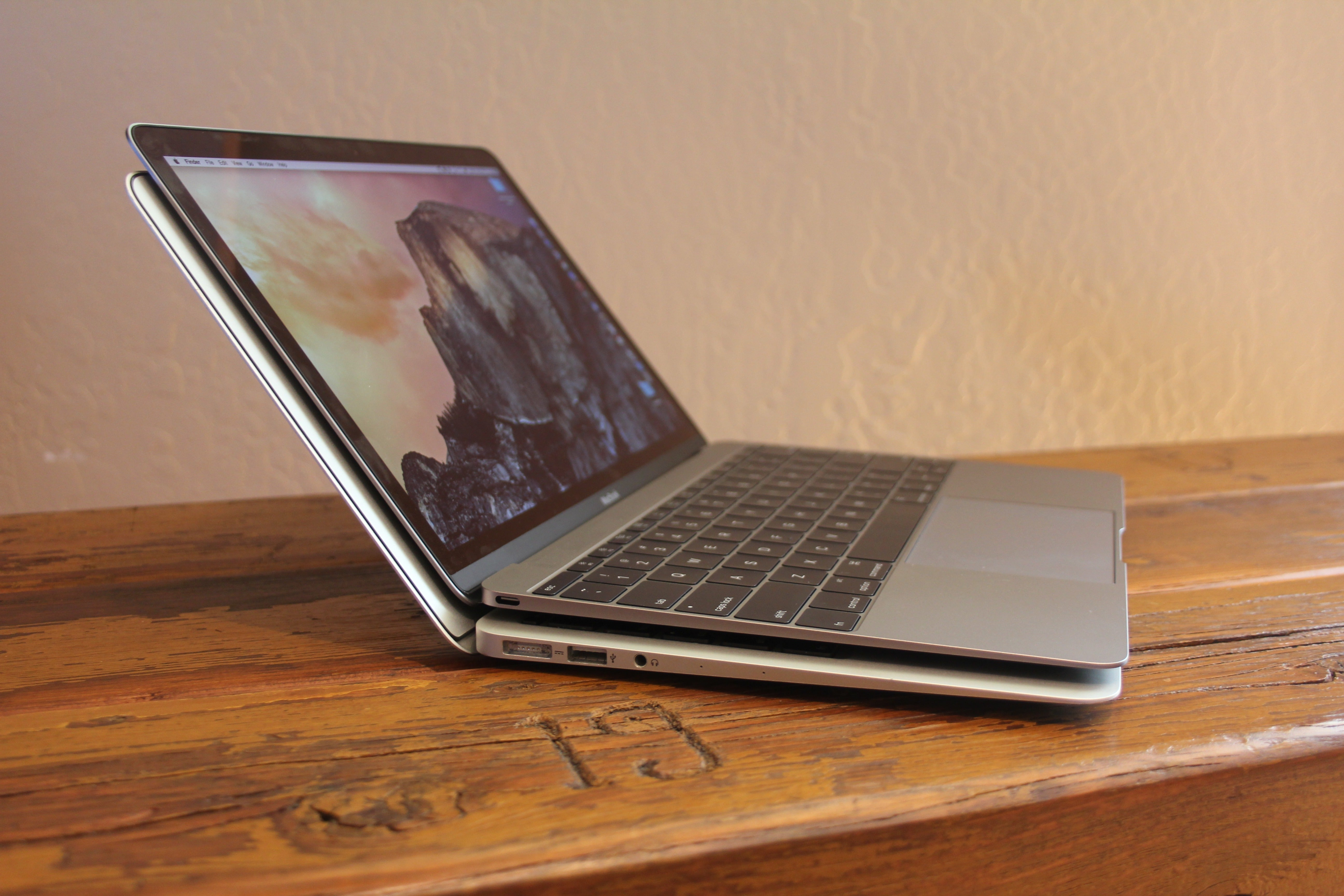 review the new 12inch macbook is a laptop without an