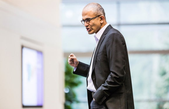 satya nadella dynamic new sizing