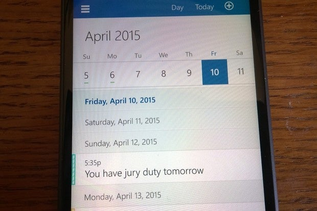 Microsoft says odd behavior in Outlook 2010 calendar is a