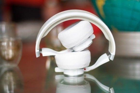 axel headphones