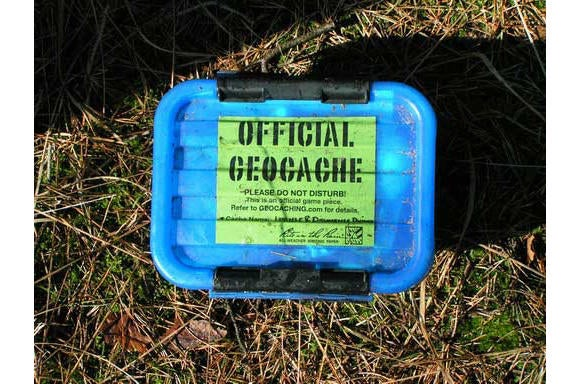 geocaching wikimedia commons solitude